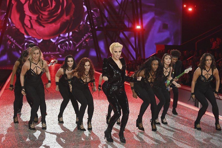 Выступление Леди Гага