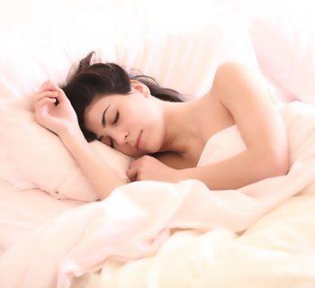 Как именно вредит организму долгий сон, изучить ещё предстоит
