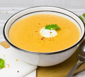 Тарелка морковного супа