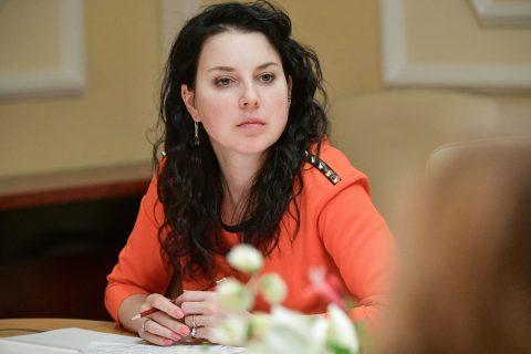 Ирина Слуцкая