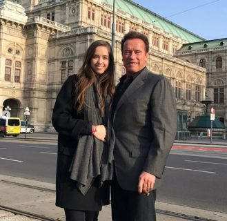 Кристина Мария Аврелия Шварценеггер с отцом