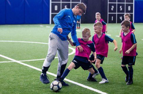 Андрей Аршавин тренирует детей