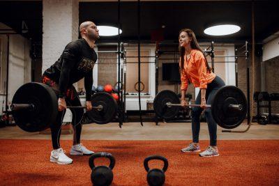 Тренировки в фитнес-зале