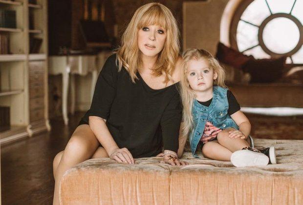 Алла Пугачёва с дочерью