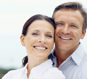 Мужчина и женщина старше 40