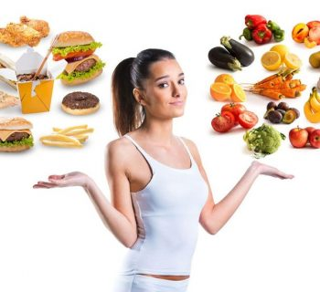Девушка,здоровые и вредные продукты