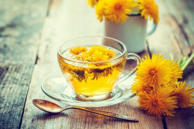 Одуванчики и чай из одуванчиков