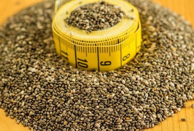 Семена чиа и лента для измерений