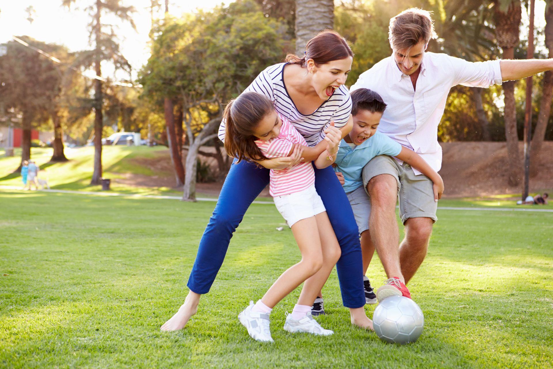 спортивные картинки взрослых с детьми для