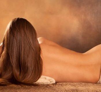 Красивая женская спина