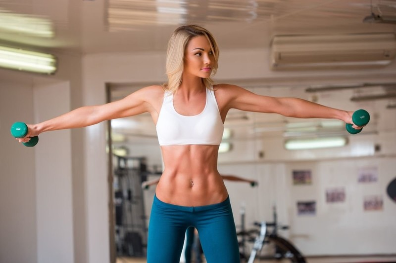 Как похудеть в руках с помощью упражнений и питания
