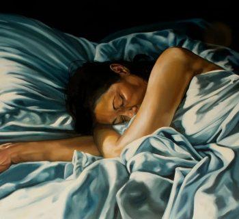 Женщина спит арт