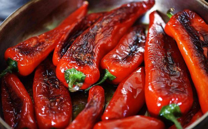 Поджаренный красный перец