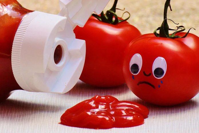 Готовый кетчуп и плачущий помидор