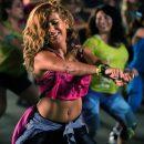Танцевать зумбу