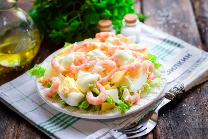 салат с креветками яйцом и сыром