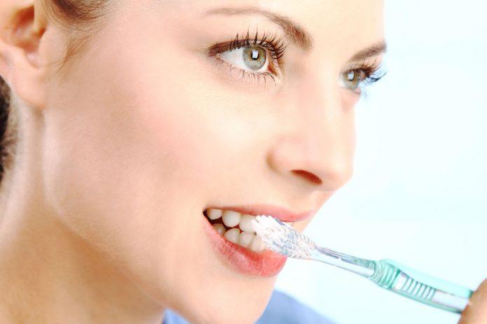 чистка зубов после еды