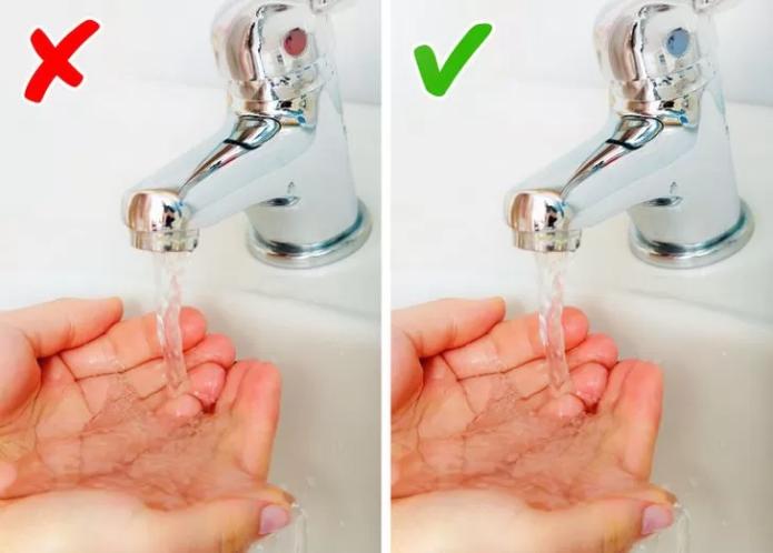 Не мыть руки горячей водой